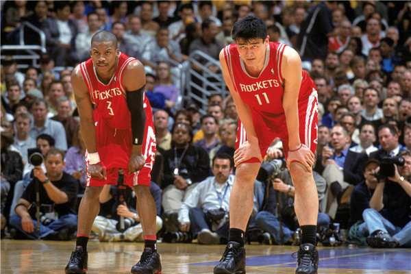 姚明亲笔专栏:初入NBA那一年,体验中美文化碰撞
