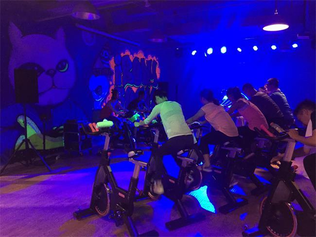 长假不能只是吃喝玩乐,这儿有一些专供流汗的单车工作室