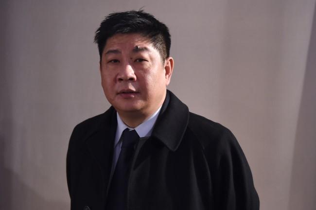 国安总经理沈力辞职,帕奎奥开价2000万美元战不败拳王 | 懒熊早知道