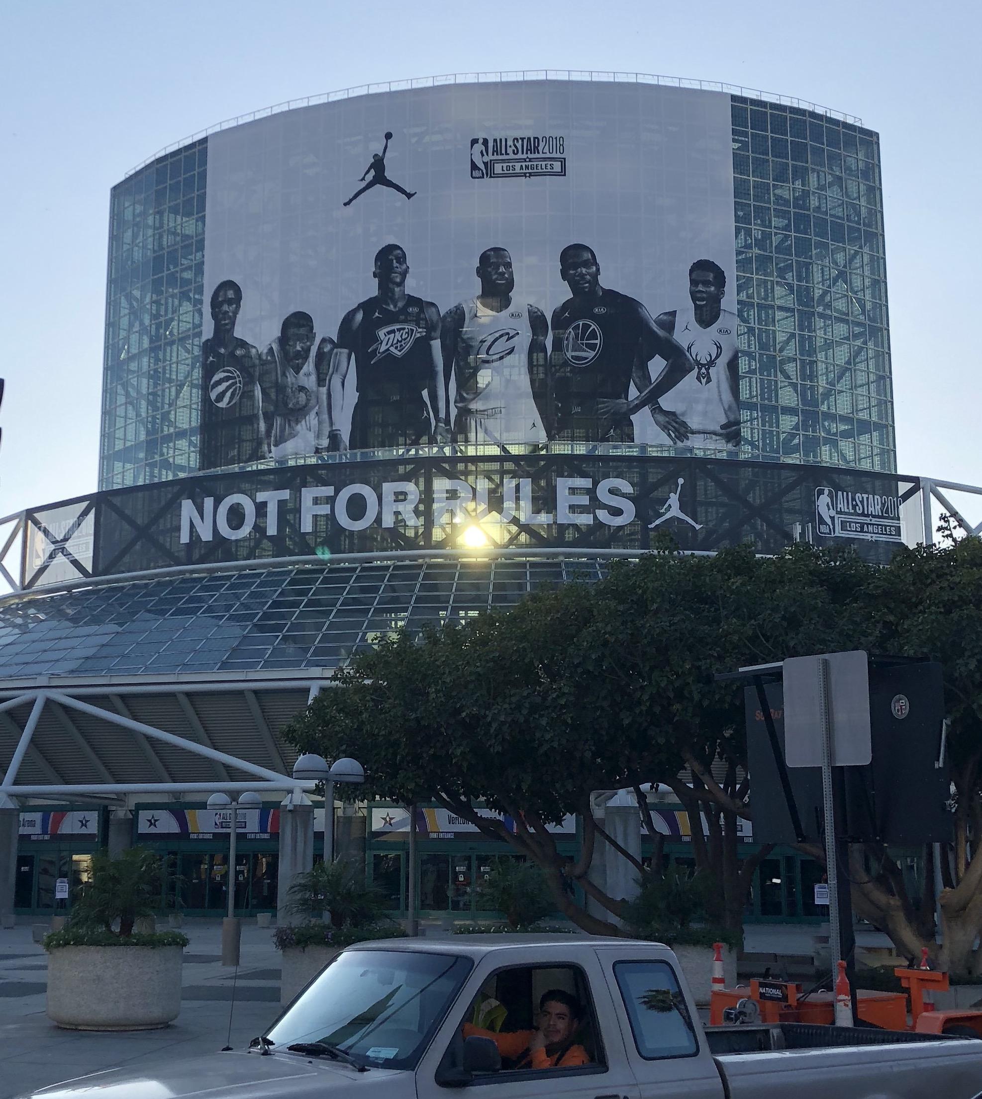 耐克和NBA的第一年:全明星上的Air Jordan