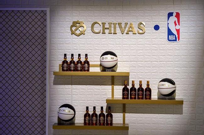 靠着NBA和大数据,芝华士拉高了威士忌在中国的销量