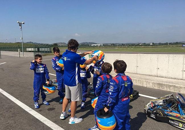 F1冠军阿隆索要在中国建卡丁车学校,会和腾讯代理的《火箭联盟》一起选拔选手