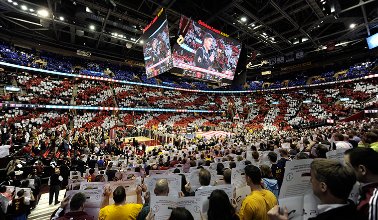 NBA直播被忽略的镜头,NBA赛场仪式蕴含的商业价值