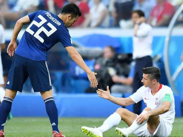 谁制造了日本小组赛的最后10分钟?  B面世界杯