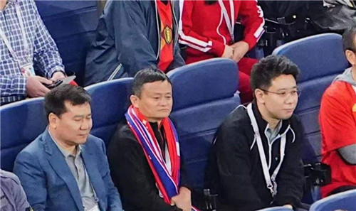 决战!克罗地亚2-1英格兰与法国胜利会师,中国两富豪合体看球身价爆炸 | 懒熊早知道