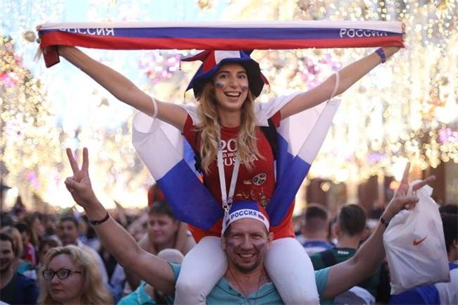俄罗斯队在世界杯上创造历史的成绩,对这个国家的社会与政治生态意味着什么?