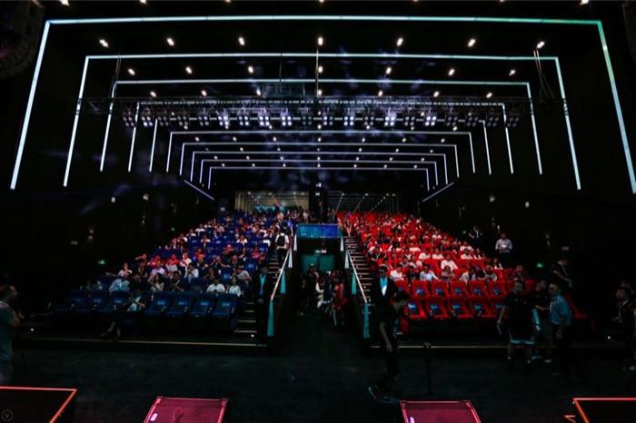 联盟电竞在天津的滨海新区开了个新馆,增加了攀岩、蹦床等极限运动设施 | 创业熊