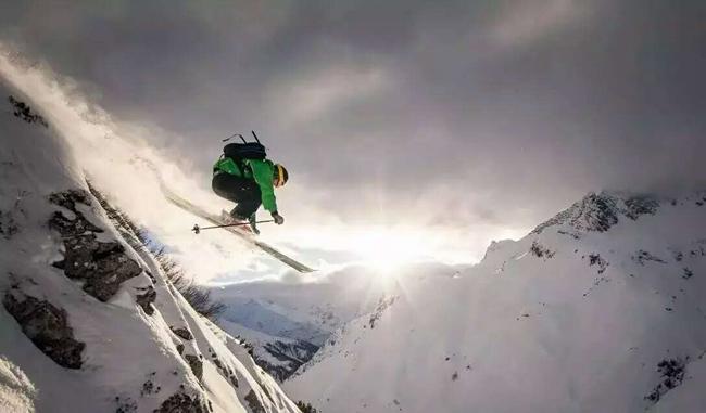 天猫618滑雪关注度反季上升,冲浪、击剑等运动装备销量增长可观