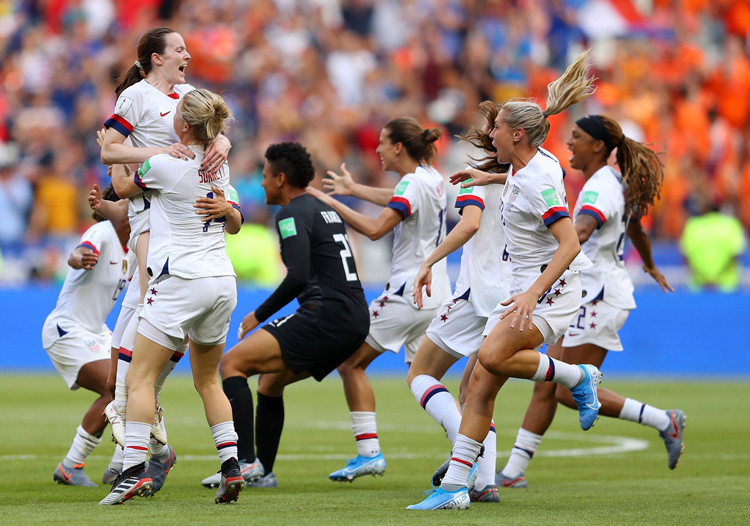 美国女足历史首次卫冕世界杯冠军,1999年精神遗产薪火相传