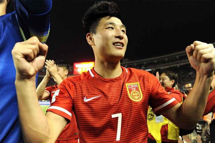 送别男篮迎来国足,归化真是中国体育的归宿吗?