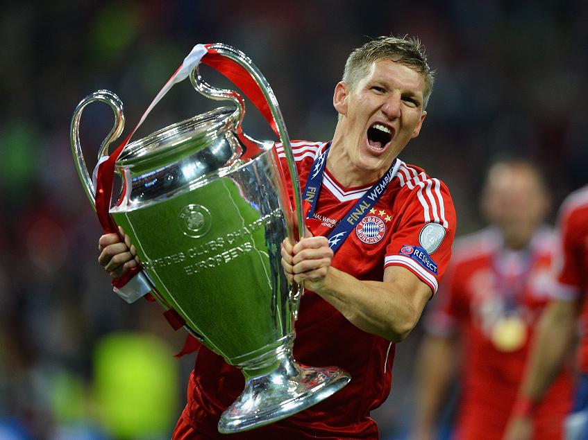 德国球星施魏因斯泰格通过社交网络宣布,结束自己的职业生涯
