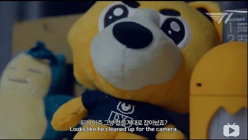 很多人想了解懒熊设计师,这次搬家后和他详细聊了聊