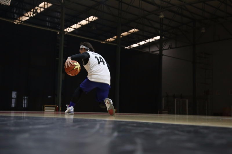 经过90分钟美式篮球特训后,除了精疲力竭外还有点其他收获