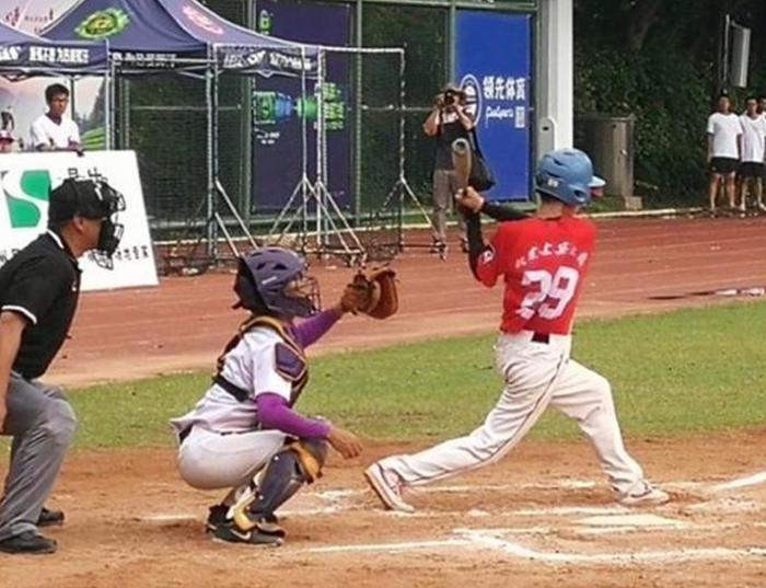 中国大学生棒垒球锦标赛总决赛深圳落幕,线上线下同步直播互动规模创历史新高