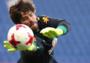 耐克无绑带守门员手套曝光,新款科技手套将于世界杯前发布