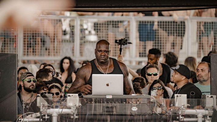 成功跨界,大鲨鱼奥尼尔是如何成为世界爆红的DJ?
