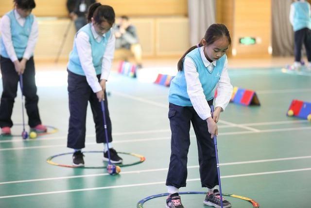 中国高尔夫协会推动校园发展计划,体育公开课红英小学举行