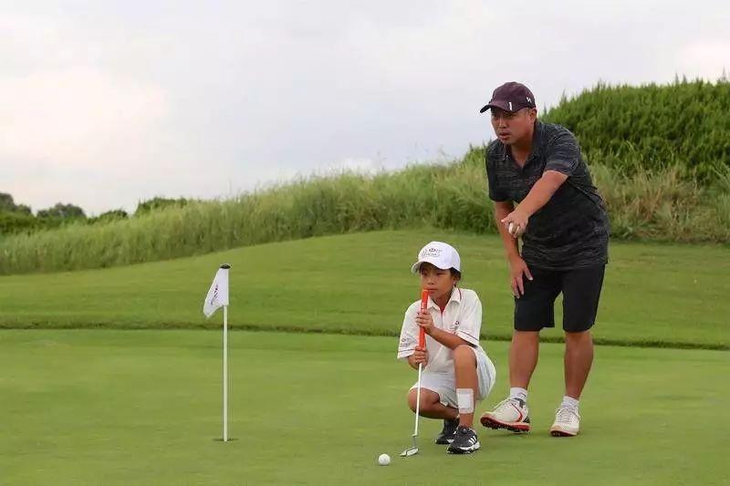 """从""""乒球星二代""""到幼教楷模,刘国梁们为何纷纷选择高尔夫?"""