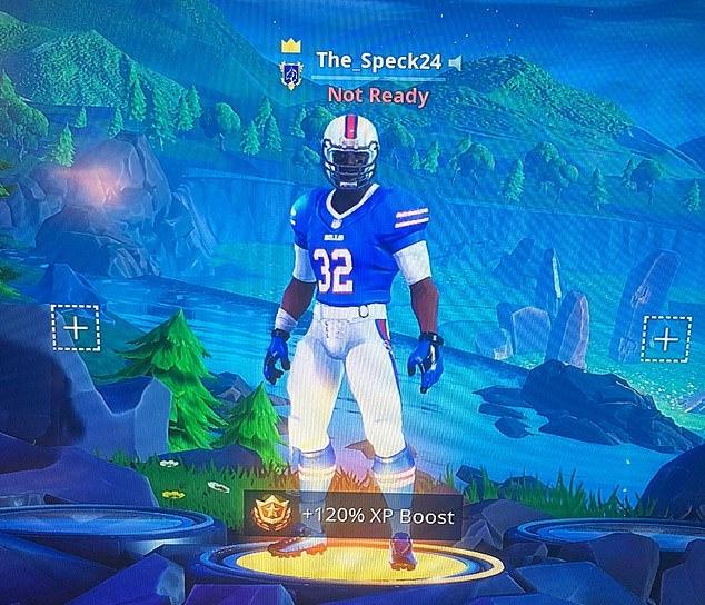 《堡垒之夜》NFL专属皮肤上线4天遭下架,因场面血腥惹争议