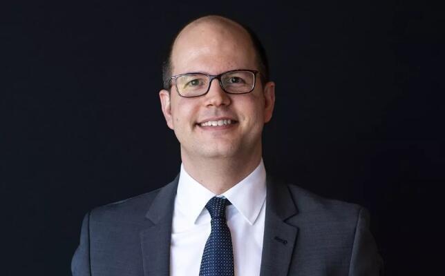国际篮联任命新任秘书长,法务总监扎格克里斯接任鲍曼