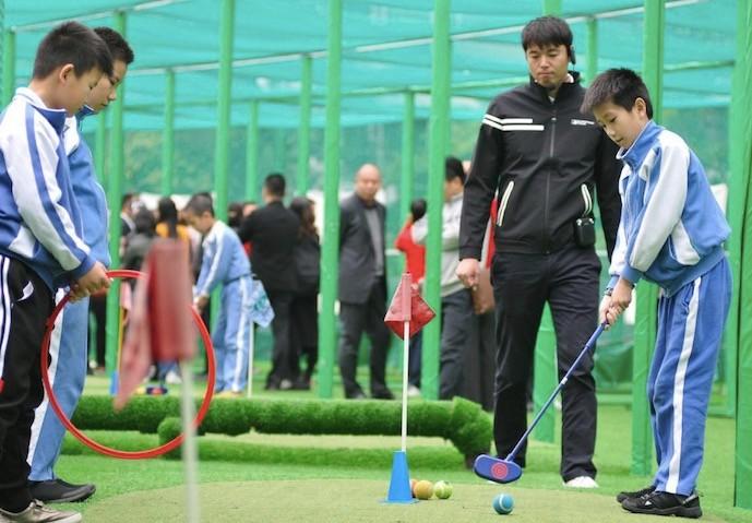 加强体育与教育的深度融合,中高协校园体育课落地深圳