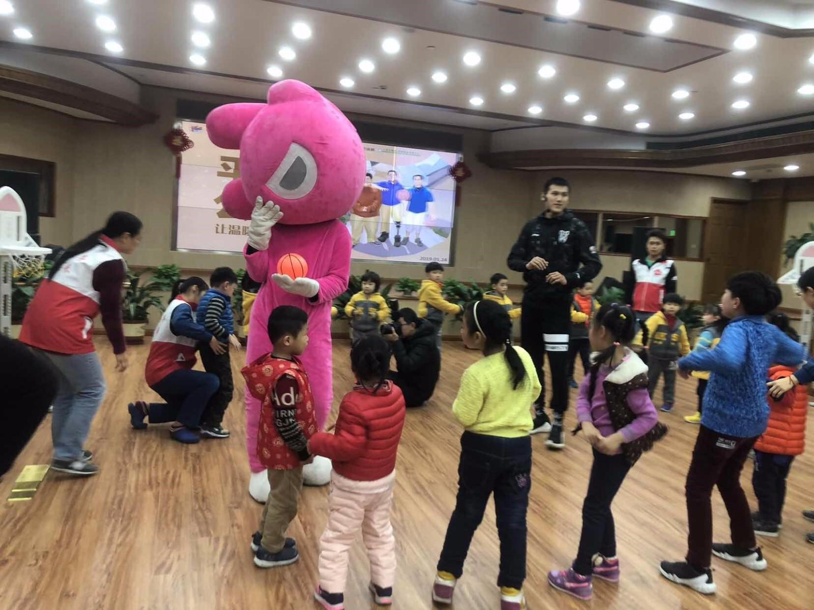 大麦体育联合CBA上海队举办慈善活动,出票即向中国残疾人福利金会基捐赠一元