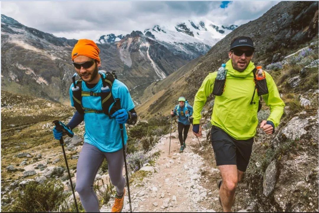 特步1.55亿成立合资公司,拿下跑鞋Saucony和登山鞋Merrell两品牌在华业务