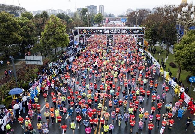 2018年中国马拉松报告:规模赛事共1581场增长超43%,产业总产出达746亿