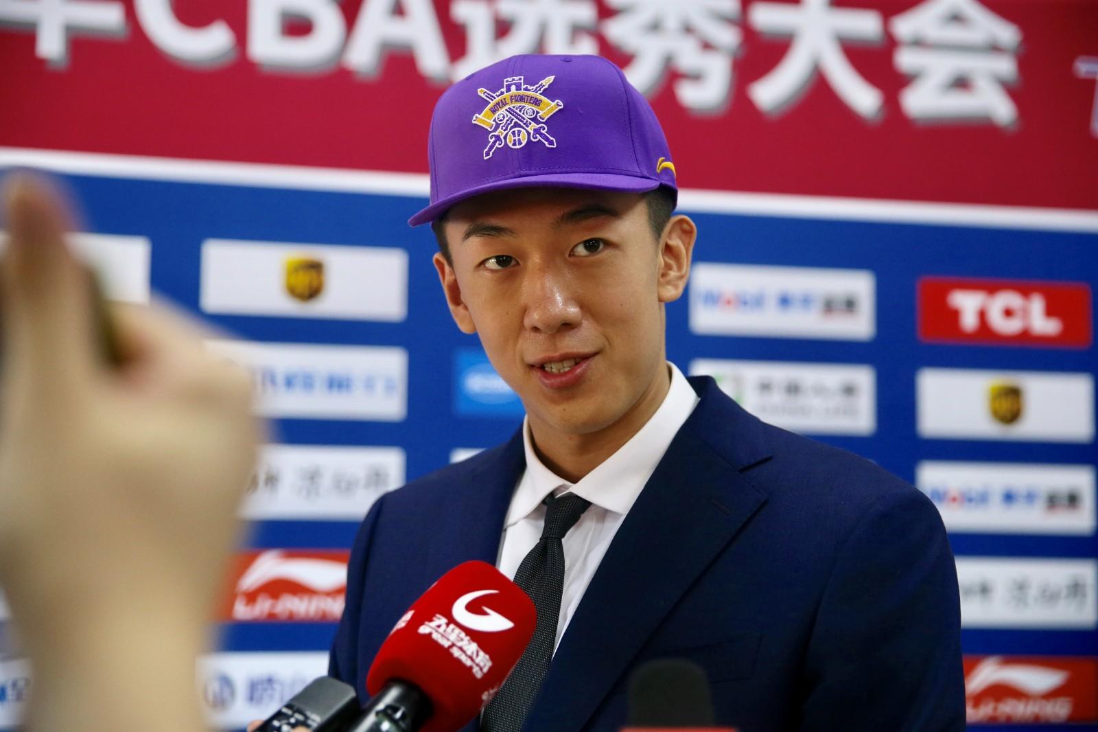懒熊体育对话北大王少杰,解读大学和职业篮球的不同