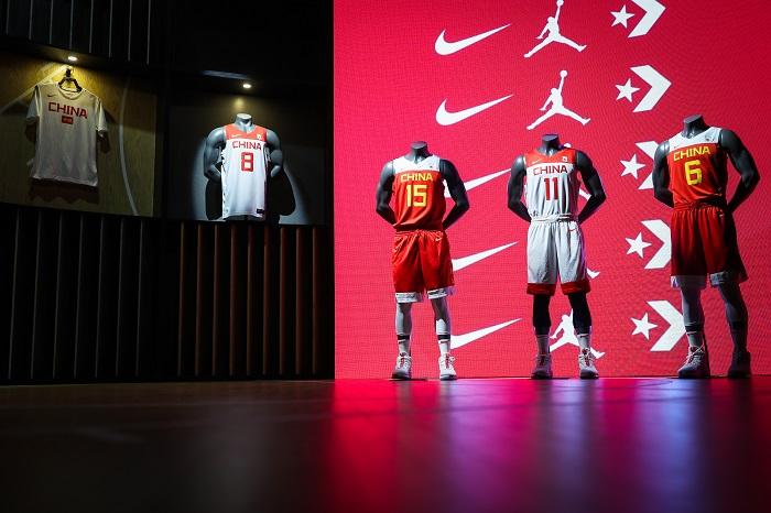 耐克发布FIBA世界杯中国男篮队服及相关装备
