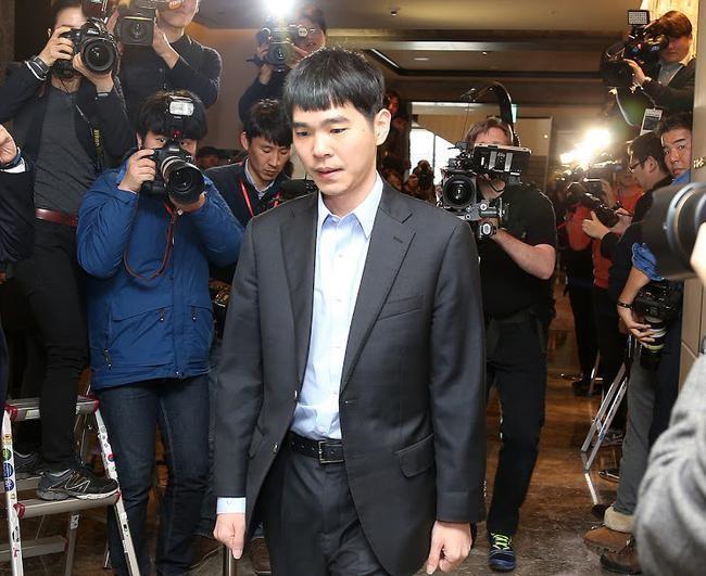 """李世石将于本月举行退役战,对手为围棋人工智能""""韩豆"""""""