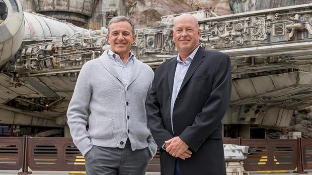 迪士尼总裁鲍勃·艾格尔突然卸任,迪士尼乐园负责人鲍勃·查伯克将接任