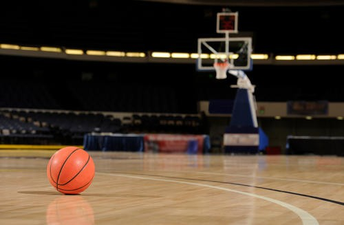 富哥专栏:NBA要空场复赛,最低配需要多少人?