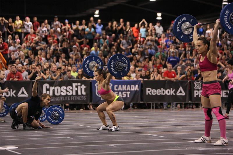 美国连锁健身房CrossFit创始人发表不当言论引风波,事后公司被个人企业家收购