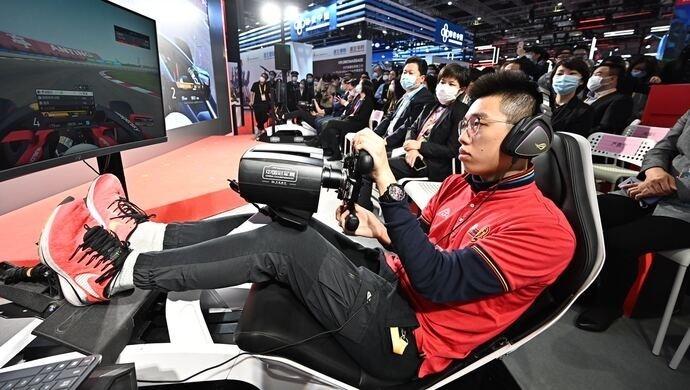 第三届进口博览会首设体育赛事专区,F1电竞中国赛现场召开多项活动
