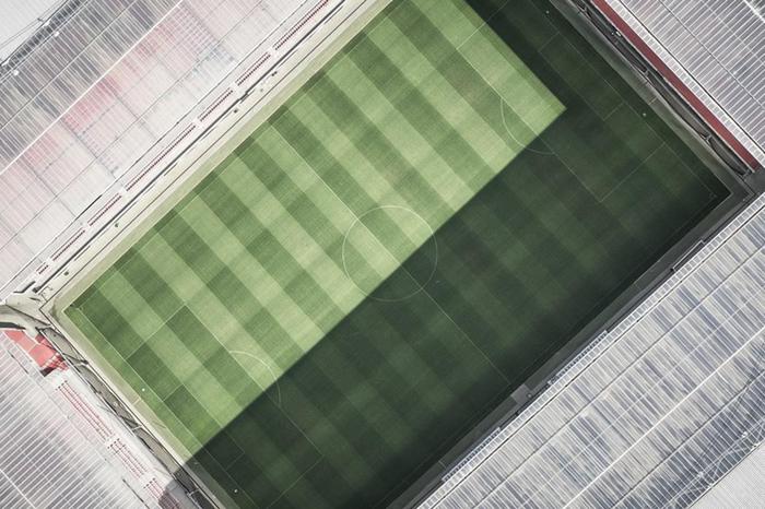 80000:足球场里的黄金密码
